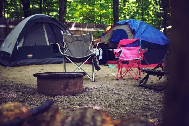 tente de camping en foret