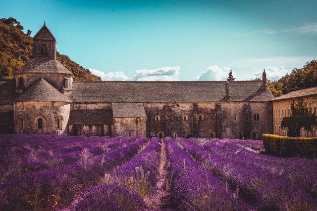 champ de Lavande dans le village de Gordes, en Provence